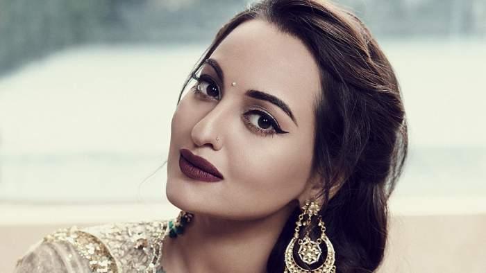Sonakshi Sinha Lifestyle Wiki Net Worth Income Salary House Cars Favorites Affairs Awards Family Facts Biography Topplanetinfo Com Biography Of Famous People